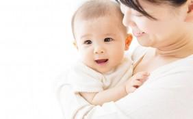 【助産師監修】完全母乳のメリット・デメリットは?完全母乳にするには?