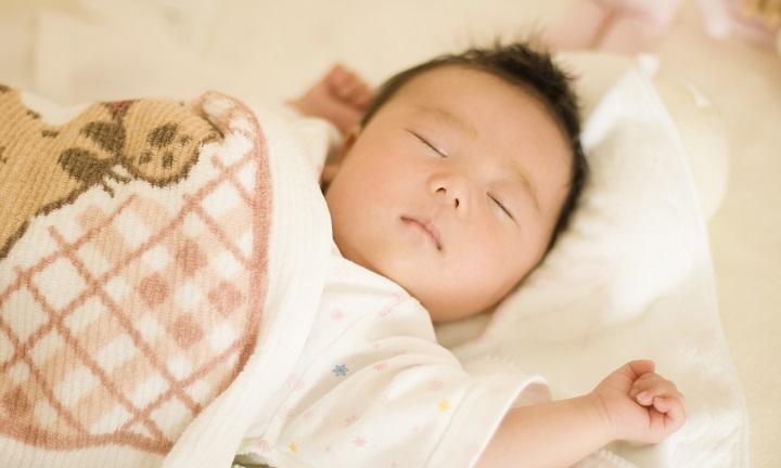生後1ヶ月赤ちゃん