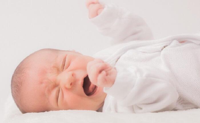 新生児_赤ちゃん_しゃっくり
