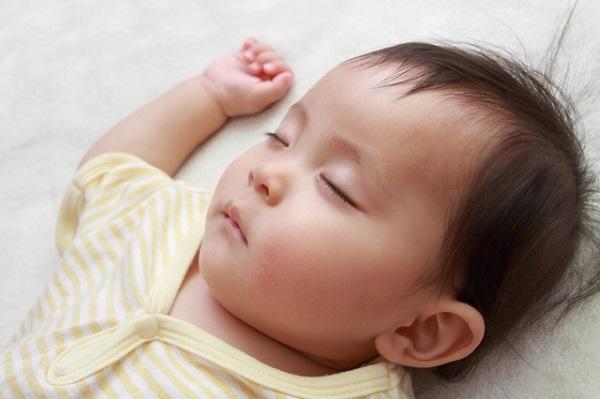 1歳児寝顔
