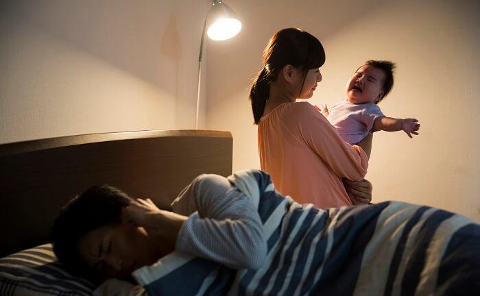 産後クライシス 夜泣き