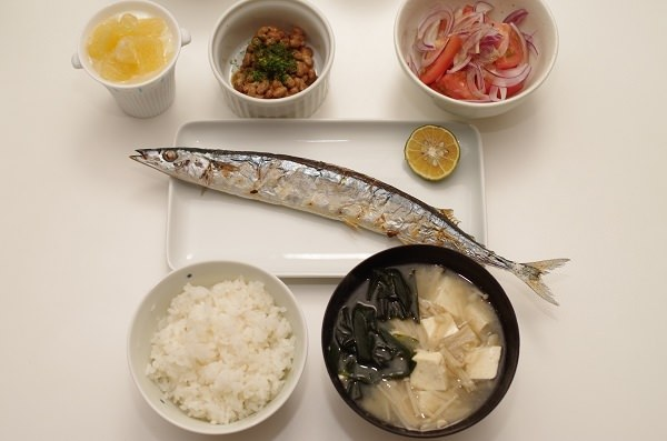 初期食べ物青魚