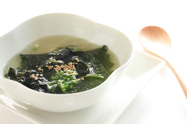 わかめスープ600