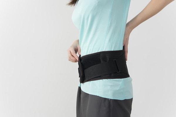 産後の腰痛:産後の姿勢と休息