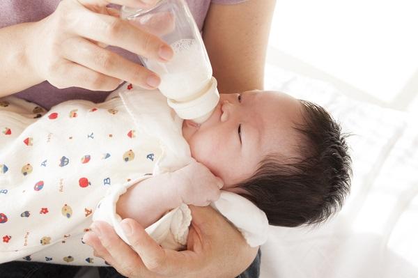 母乳を嫌がる原因_ミルク