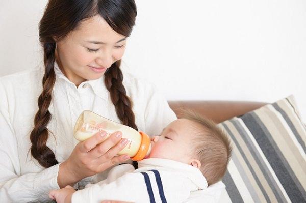 ミルク育児_スキンシップ