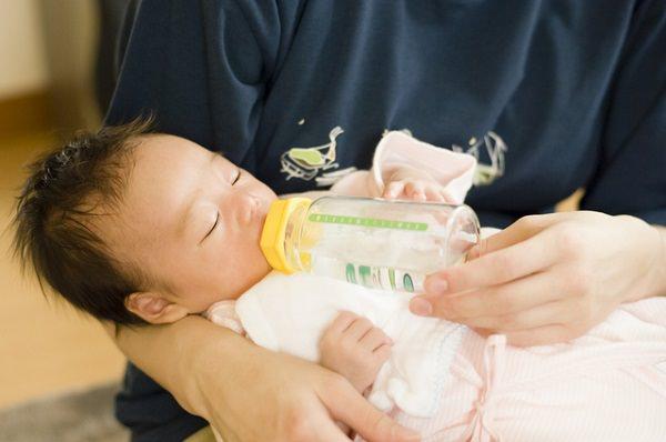 ミルク授乳