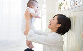 【助産師監修】産後の体型を戻す方法や自宅でできる骨盤矯正ストレッチ
