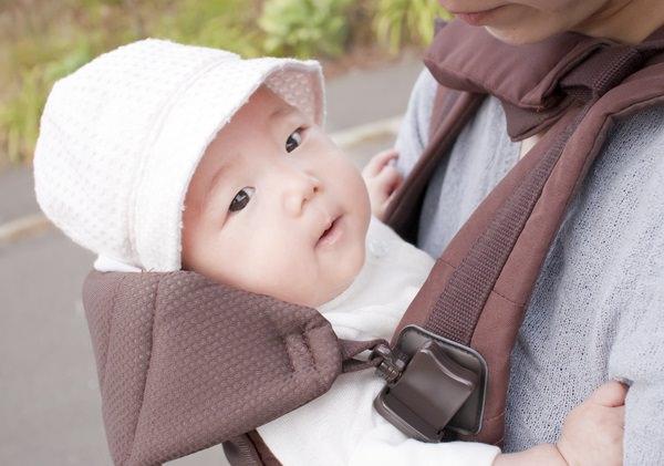 赤ちゃん_抱っこひも