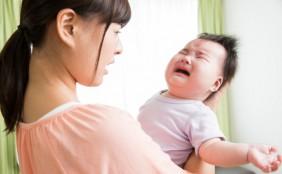 新生児・赤ちゃんのげっぷの出し方!いつまで出す?出ない時は?