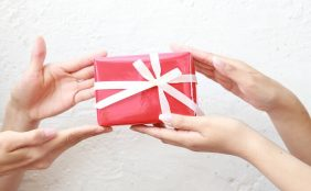 産休に入る友人にぴったりのプレゼントは?
