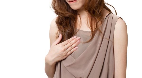 妊娠初期症状_胸の痛み