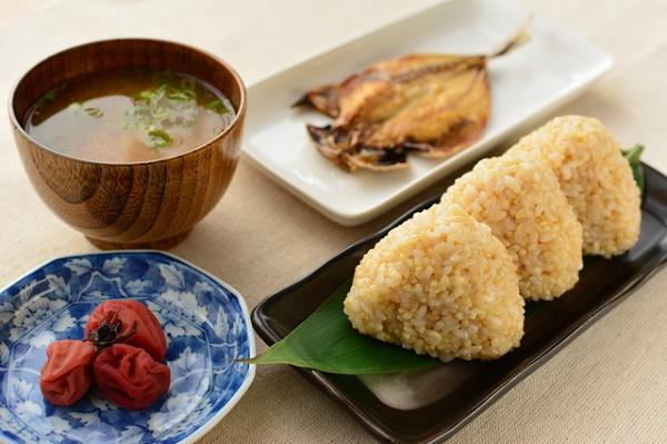 妊娠中に良い食事_玄米