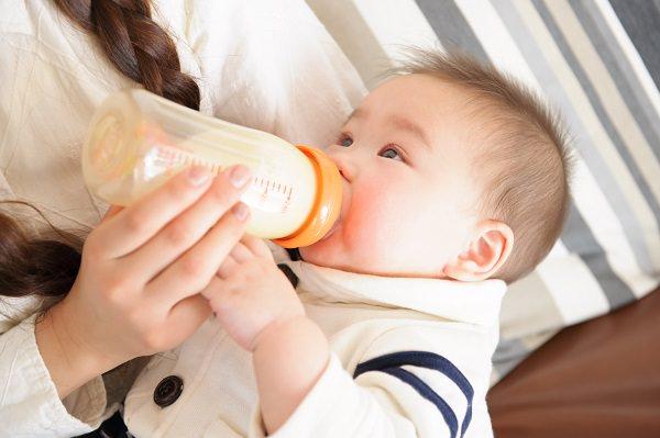 完全母乳:しっかり母乳が出るまで