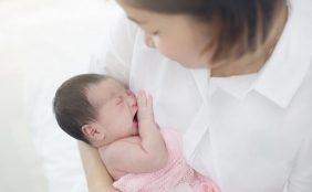【助産師監修】赤ちゃんがおっぱいを飲まない!哺乳ストライキとは?