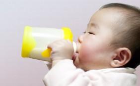 【助産師監修】フォローアップミルクとは?いつからいつまで必要?飲ませ方は?