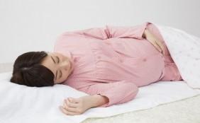 【助産師監修】妊娠後期の吐き気-原因と対策-