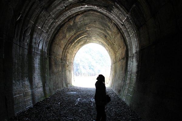トンネル600