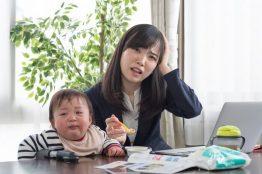 【助産師監修】離乳食を食べない…上手な食べさせ方は?母乳だけで栄養は大丈夫?