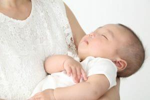 『生後3週間です。母乳が足りているか不安です』