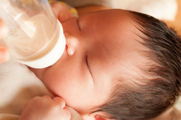 『母乳を吸ってくれずほぼミルクです。吸わせる方法はないでしょうか。』