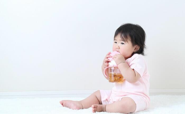 赤ちゃんにお茶はいつから