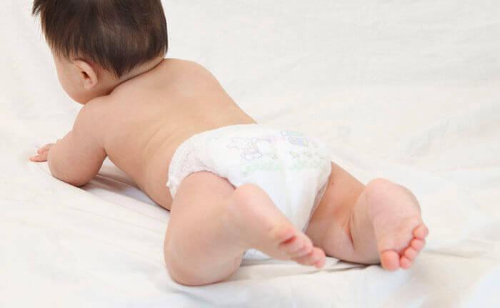 『2ヶ月の赤ちゃんが便秘です。母乳が足りないせいでしょうか。』