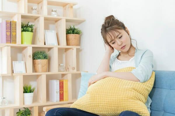 『乳腺炎や亀裂などトラブルが続き、ストレスで母乳育児に前向きになれません。断乳方法を教えてください。』